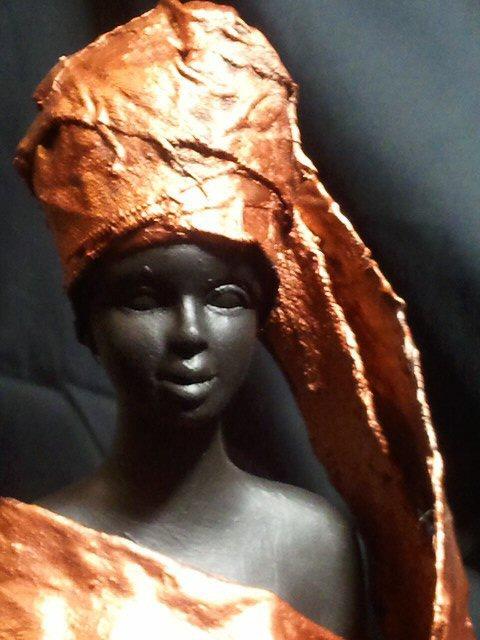 Statue African Queen