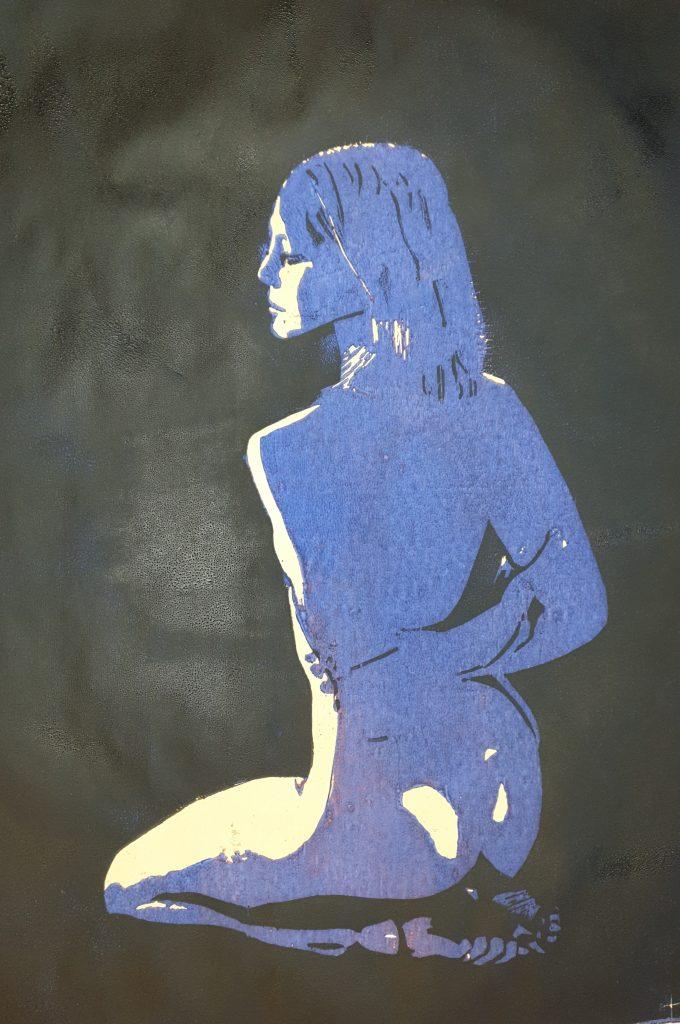 Kniende (Holzschnitt, lila-schwarz)